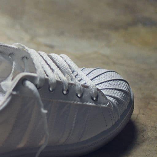 Weiße Schuhe putzen | Weiße Sneakers reinigen| Viss