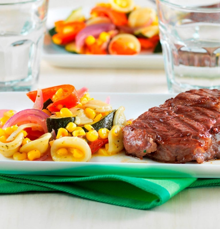Grill-Steak mit Salat