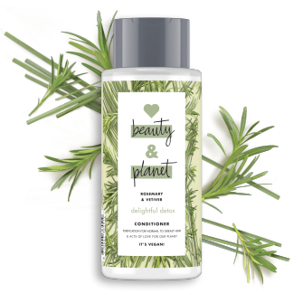 Vorderseite der Conditionerflasche: Love Beauty & Planet Conditioner Rosemary & Vetiver