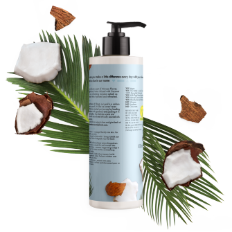 Baksiden av bodylotion-flasken Love Beauty Planet Coconut Water & Mimosa Body Lotion Luscious Hydration 400ml