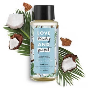 Forsiden av sjampoflasken Love Beauty Planet Coconut Water & Mimosa Flower Shampoo Volume & Bounty 400ml