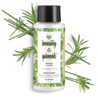 Front of shower gel pack Love Beauty Planet Rosemary & Vetiver Shower Gel Delightful Detox 500ml