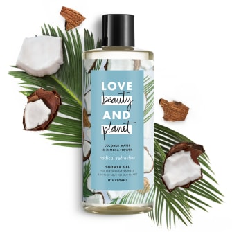 Forsiden av dusjgeleen Love Beauty Planet Coconut Water & Mimosa Flower Shower Gel Radical Refresher 500ml