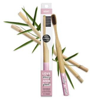 Devant du paquet Love Beauty and Planet brosse à dents souple